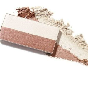 Mineral highlighting powder  pink stardust